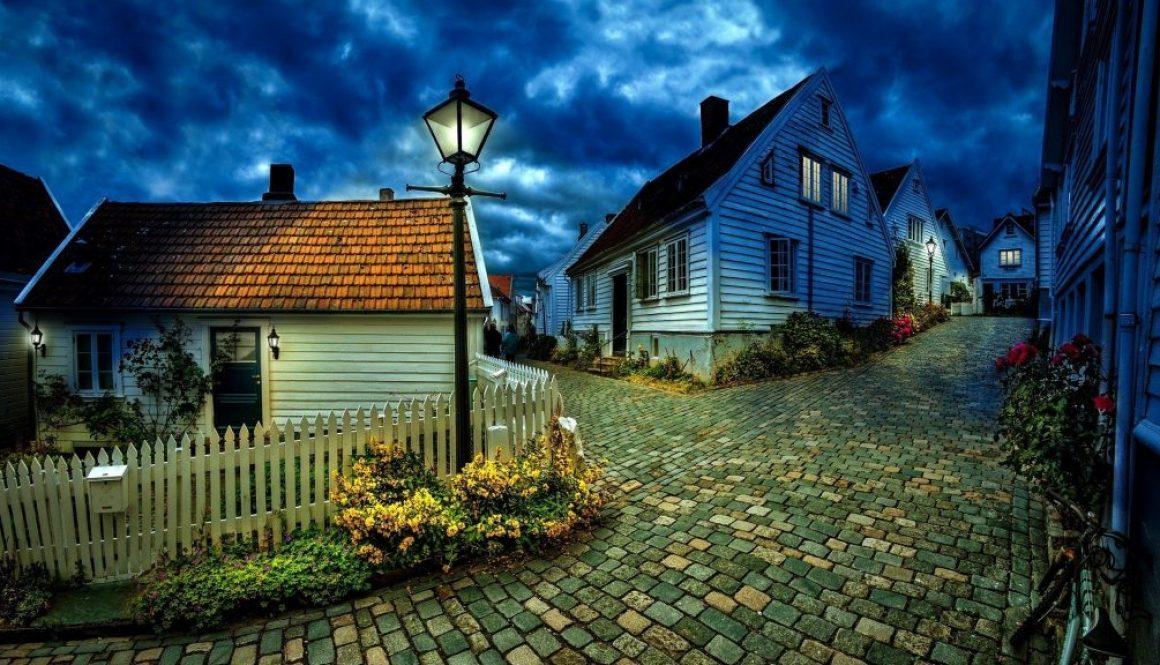 little-houses-1149379_1920